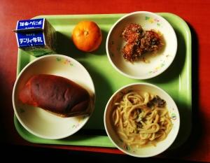 carb load day: bread, takoyaki, udon, mikan